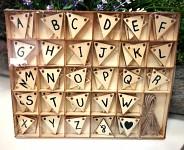 Dřevěné vlajky - girlanda - abeceda
