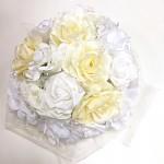 Koule z růží KRÉMOVO-BÍLÁ - dekorace na svatební auto