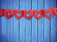 Girlanda papírová - červená srdce dutá