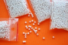 Korálky perličky - bílé 3 mm - 5g