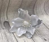 Květ magnolie glitter - bílo-stříbrný malý