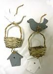 Jarní závěs - ptáček s košíčkem a domečkem