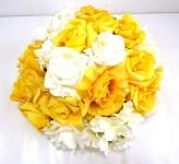 Koule z květů žlutá - dekorace na auto
