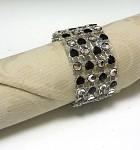 Diamantový kroužek na ubrousky - černá srdíčka - 4ks