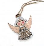 Anděl - sedící s motýlem