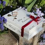 Dřevěná krabička na přání (peníze) - kniha s klíčem