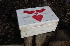 Dřevěná krabička na přání (peníze) - vintage - ptáčci ČERVENÍ