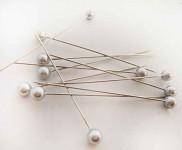 Špendlík  - holubí šeď perla velká  -1ks