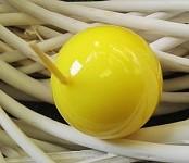 Svíčka koule - světle žlutá lakovaná - 45mm