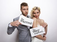 Fotorekvizity - vdaná a  ženatý