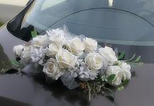 Koule z růží bílá 20 cm - dekorace na auto