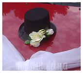 Cylindr černý s bílou kytičkou - PŮJČOVNA