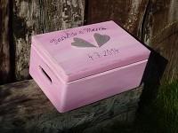 Dřevěná krabička na přání (peníze) - růžovo-stříbrná se srdíčky