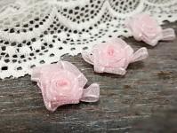 Šifonová růžička s lístečky - sv.růžová - 1ks