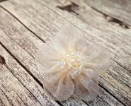Skřipec do vlasů s krémovou monofilovou kytičkou - 1ks