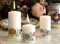 Svíčka válcová bílá slovácký motiv - 12 cm