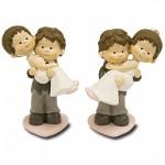 Figurka svatební v náručí