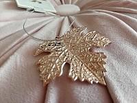 List javoru - kovový rosegold - závěs