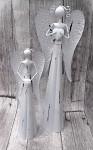Anděl plechový se srdíčkem bílý - 30 cm