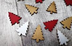 Dřevěné stromky červená/zlatá/bílá - 12 ks