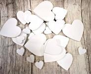 Dřevěná srdíčka bílá mix velikostí - 30ks