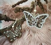 Dřevěný motýlek - ornament s ptáčky - 1ks