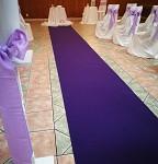 Svatební koberec - běhoun - tm.fialový - 10m - půjčovna