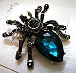 Spona (brož) - pavouk tm.modrý kámen