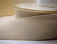 Sametová stuha oboulící - krémová - 25 mm/1 m