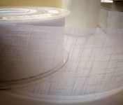 Řezaná stuha Carol - bílá - 40 mm/ 1 m