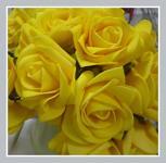 Pěnové růže šalvějově zelené s drátkem - 8ks