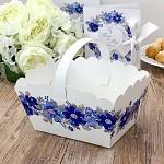 Svatební košíček na koláčky velký - bílý s modrými květy