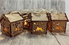 LED světelná girlanda - dřevěné domečky s jelenem