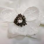 Květ čemeřice  - zápich - bílohnědý glitter