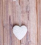 Srdce závěs sádra - bílé glitr - 5 cm