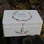 Dřevěná krabička na přání (peníze) - drobné kvítky - se zámkem
