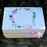 Dřevěná krabička na přání bílá - růžový věnec