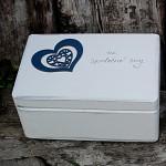 Dřevěná krabička na přání (peníze) - modré srdce