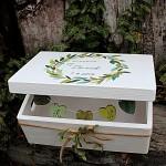 Dřevěná krabička na přání (peníze) - zelený věneček