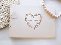 Svatební kniha hostů - dřevěná se jmény - květinové srdce