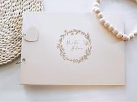 Svatební kniha hostů - dřevěná se jmény - květinový věnec