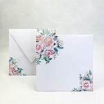 Obálka barevná čtverec - bílá s jarní kyticí
