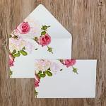 Obálka barevná  - bílá perleťová - květiny