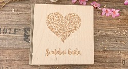 Svatební kniha hostů čtverec - dřevěná - srdce ornament