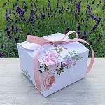Krabička na výslužku hranatá se stuhou - pastelové květy