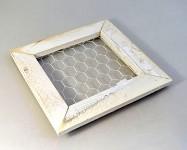Dřevěný rámeček s pletivem - 38x38 cm