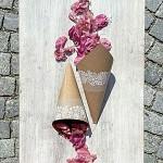 Papírový kornout na plátky růží - 8 ks - kraft s potiskem krajky