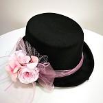 Cylindr černý s růžovou kytkou