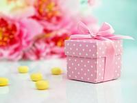 Krabička dárková - růžová s puntíky se stužkou