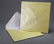 Obálka barevná čtverec - krémová perleť